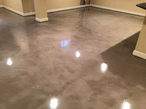 Homeowner chose metallic epoxy coatings for home flooring
